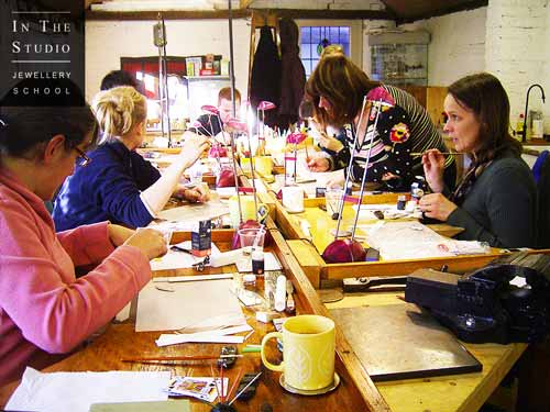 Students-Painting-Leaves-during-Precious-Metal-Clay-Workshop