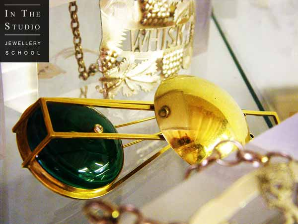 Gold-Malachite-Diamond-Brooch