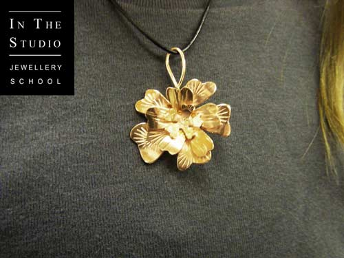 Hand-Made-Floral-Pendant-Course